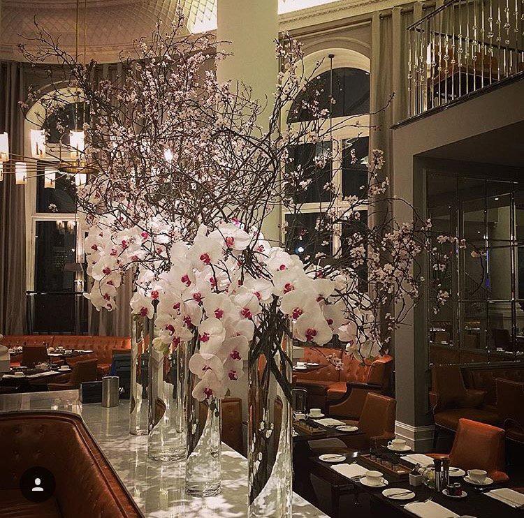 d cors floraux v nementiels prestige paris fleuri paris fleuri fleuriste prestige livraison. Black Bedroom Furniture Sets. Home Design Ideas